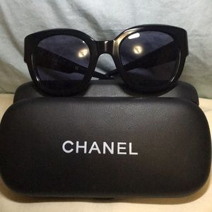 CHANEL Accessories - Chanel vintage 90's sunglasses 😎, size XS